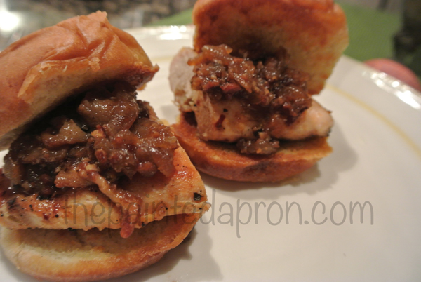 chicken sliders w:bacon jam, thepaintedapron.com
