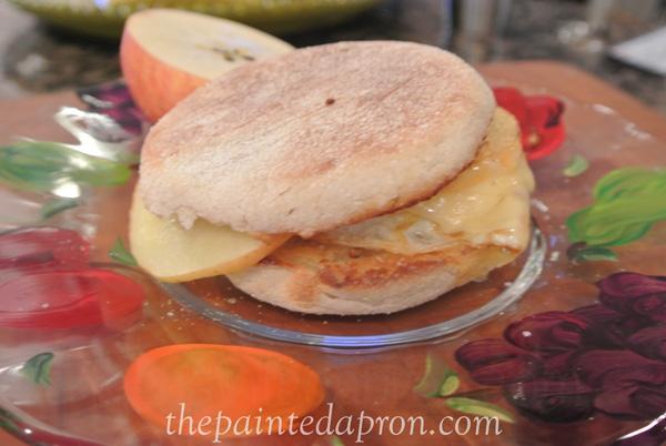 breakfast sandwich thepaintedapron.com