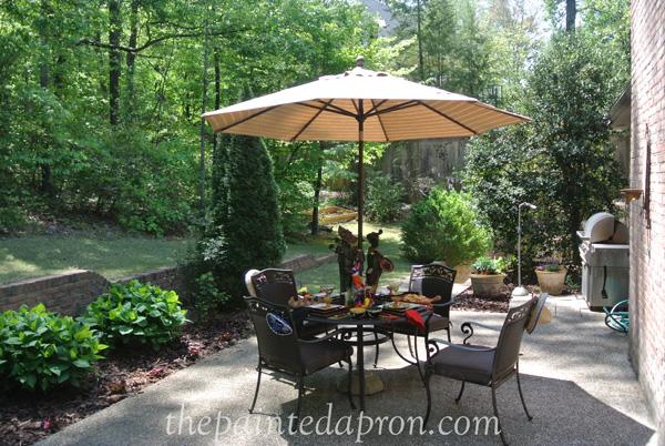 patio thepaintedapron.com