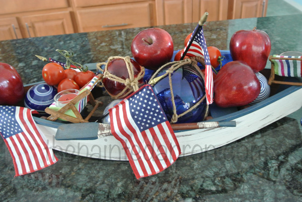 boat full of apples centerpiece thepaintedapron.com