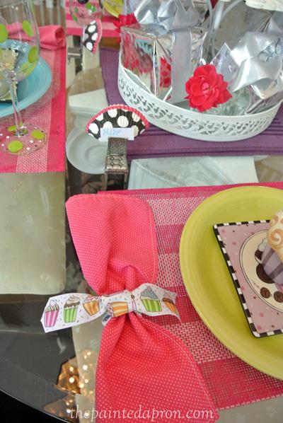 cupcake ribbon ring thepaintedapron.com