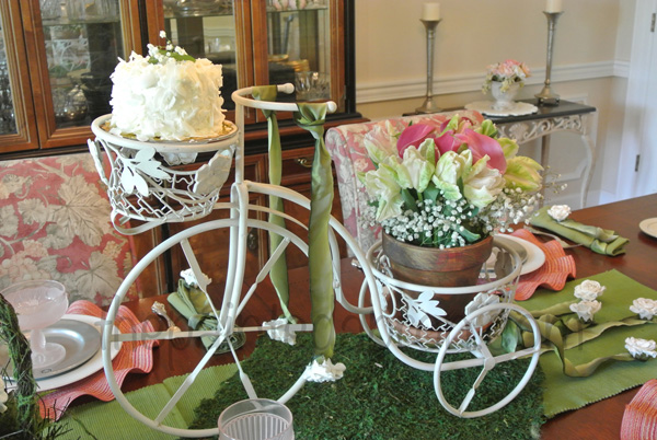 mothers day tricycle centerpiece thepaintedapron.com