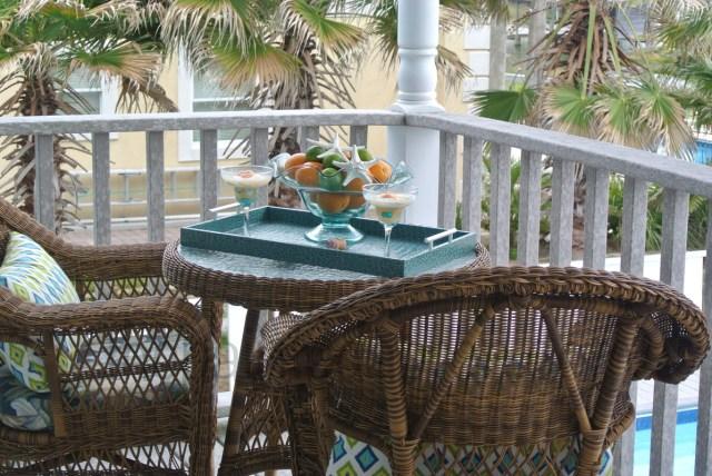 porch 2 thepaintedapron.com