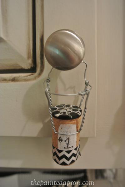 hanging cork mememto thepaintedapron.com