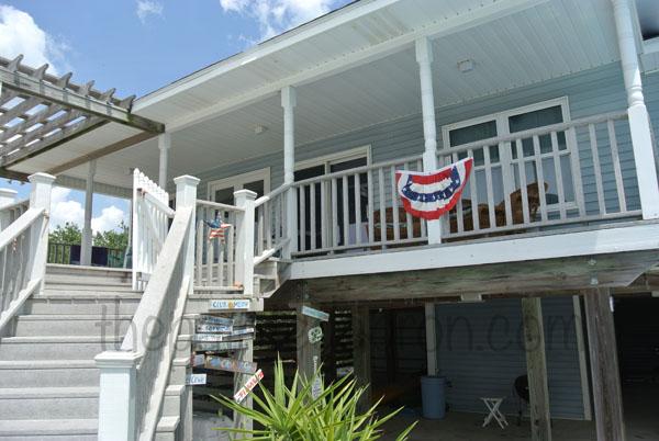outdoor porch decor thepaintedapron.com