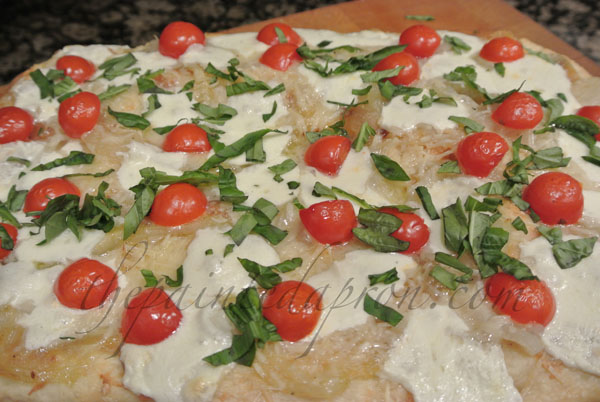 tomato & basil pizza thepaintedapron.com
