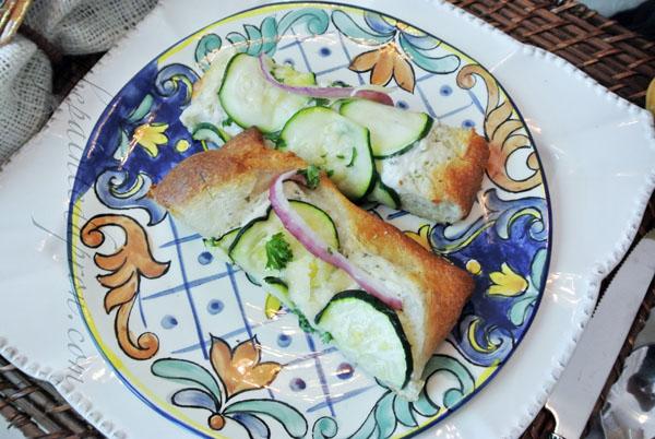 cheesy zucchini pizza thepaintedapron,com