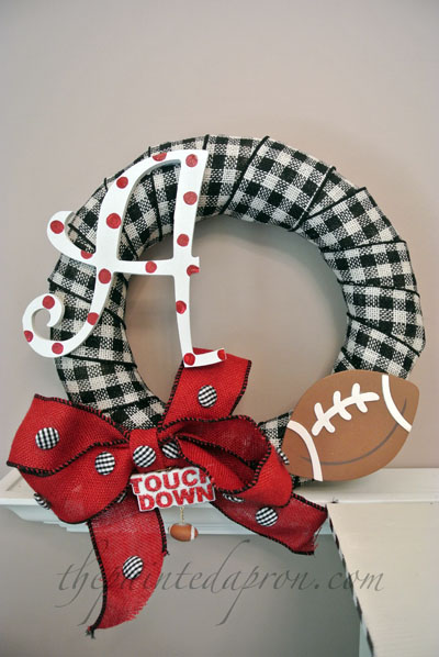 Roll Tide wreath thepaintedapron.com
