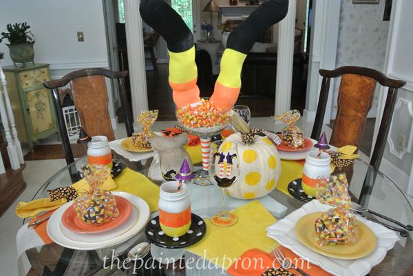 bottoms up table thepaintedapron.com