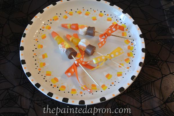 Halloween treat sticks thepaintedapron.com