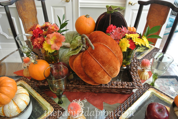 pumpkins and flowers centerpiece thepaintedapron.com