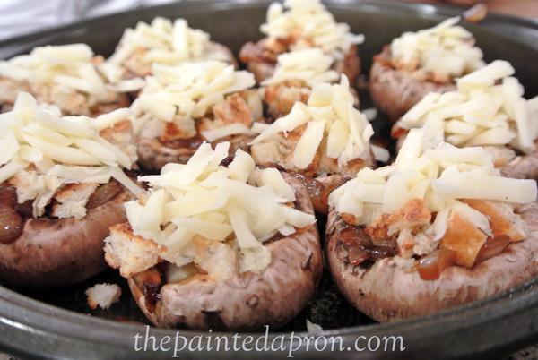 mushrooms with gruyere croutons thepaintedapron.com