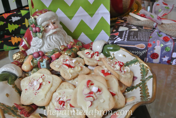 Peppermint M&M cookies thepaintedapron.com