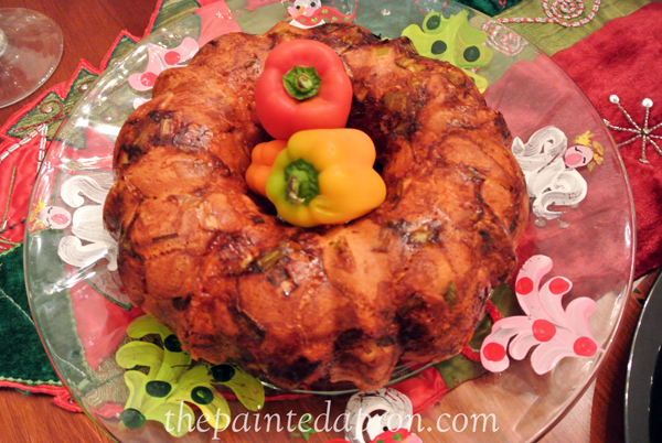 spicy biscuit ring thepaintedapron.com