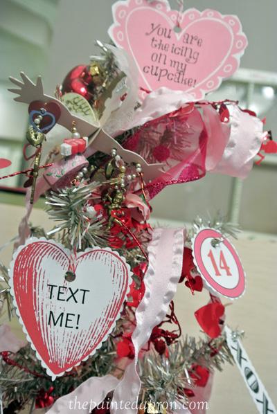 paper conversation hearts thepaintedapron.com