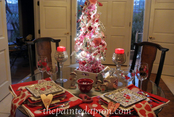 Valentine tree table thepaintedapron.com