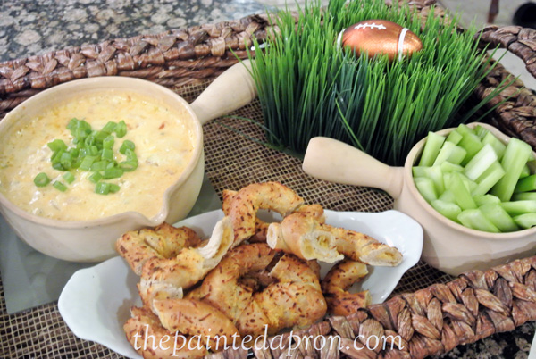 cheese fondue dip thepaintedapron.com