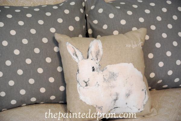Easter pillows thepaintedapron.com
