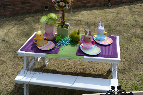 Springtime kids table thepaintedapron.com
