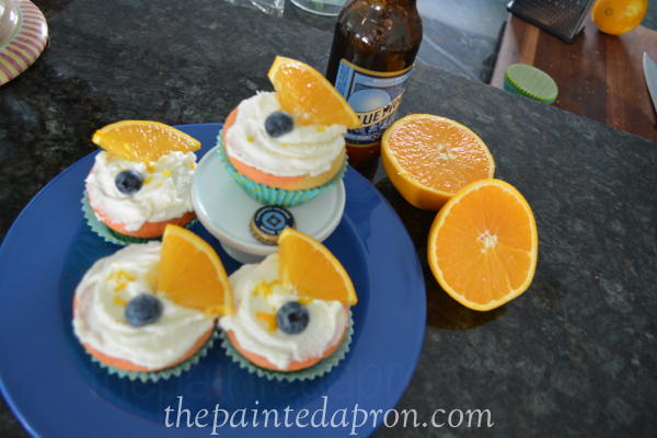 blue moon cakes thepaintedapron.com