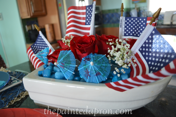red white and sea blue centerpiece thepaintedapron.com