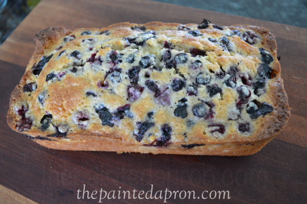 quick blueberry loaf thepaintedapron.com