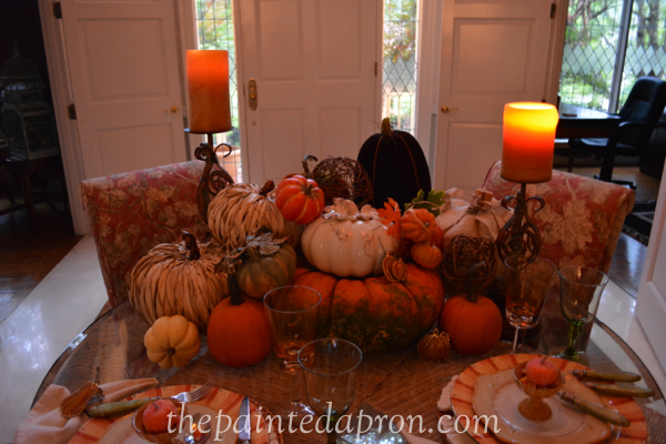 pumpkins by candlelight thepaintedapron.com