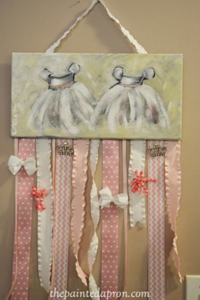painted hair bow hanger thepaintedapron.com