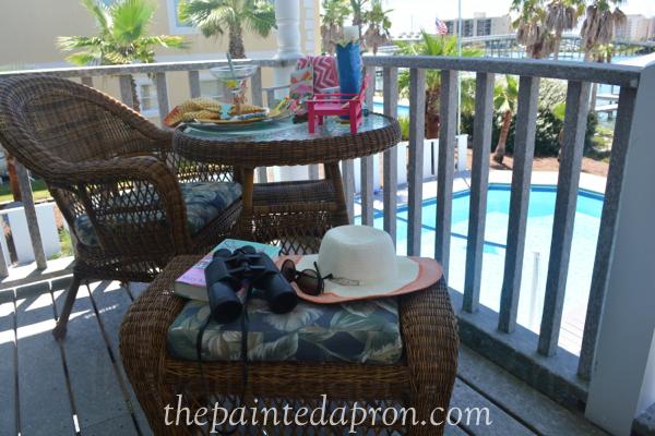 porch thepaintedapron.com