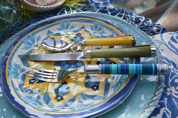 mix:match flatware thepaintedapron.com