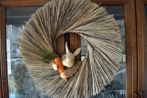 bunny wreath thepaintedapron.com