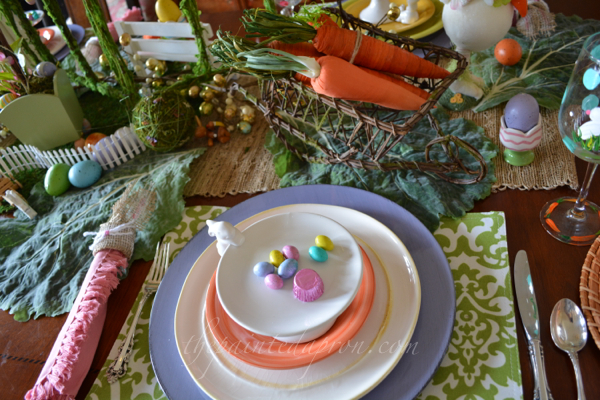 busy bunny place setting thepaintedapron.com