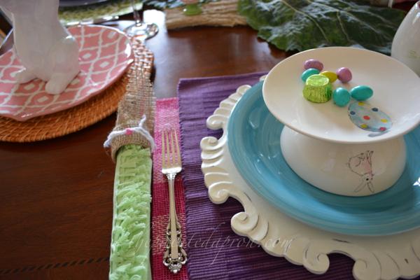 mini cake stand thepaintedapron.com