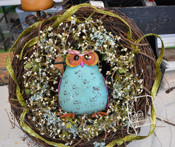 Spring wreath with owl thepaintedapron.com
