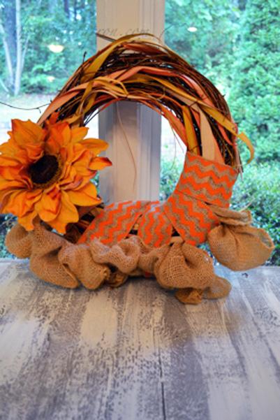 sunflower and burlap wreath thepaintedapron.com