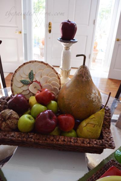 apple and pear centerpiece thepaintedapron.com