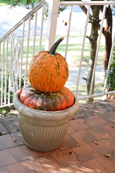 pumpkin stack 1 thepaintedapron.com
