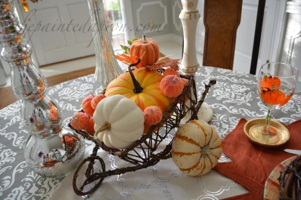 pumpkin wheelbarrow thepaintedapron.com