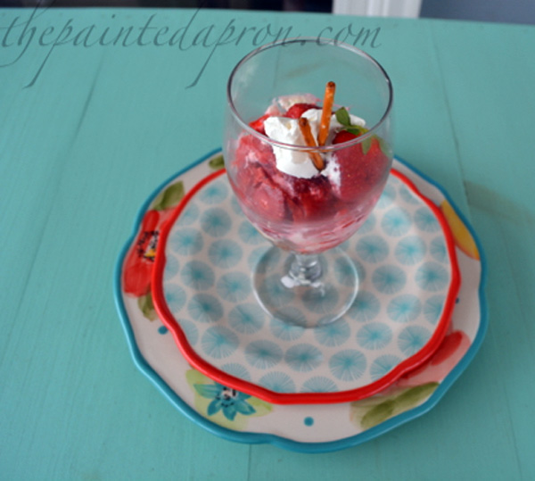 strawberry pretzel parfait