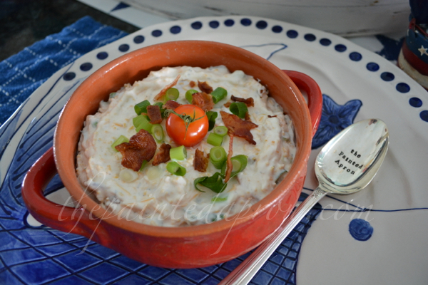 provide a spoon with dips