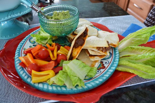 quesadilla appetizer plate