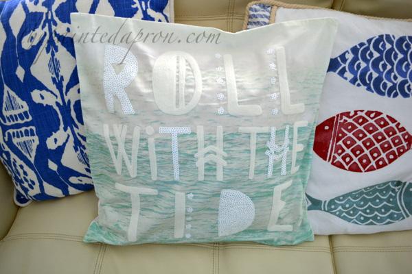 roll tide pillow