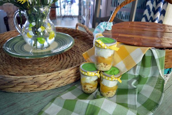 portable lemon pies thepaintedapron.com