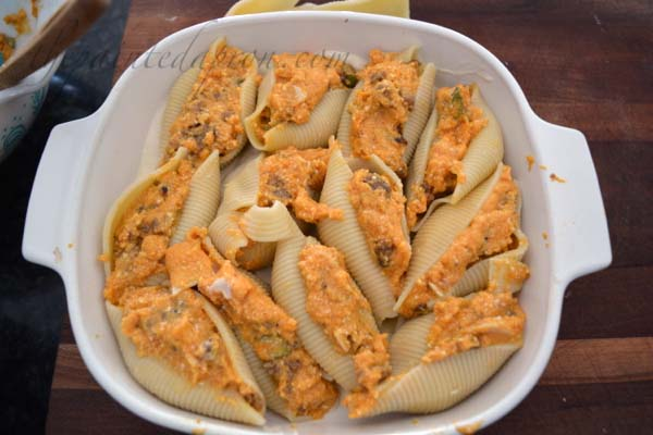sausage-pumpkin-stuffed-shells