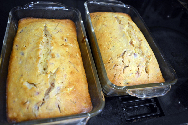 baked-cranberry-bread