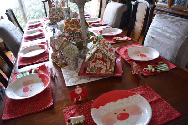 childrens-xmas-table