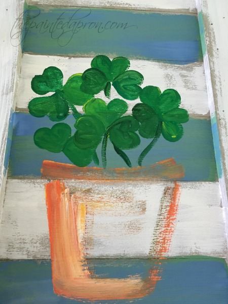 painting-shamrock-pot