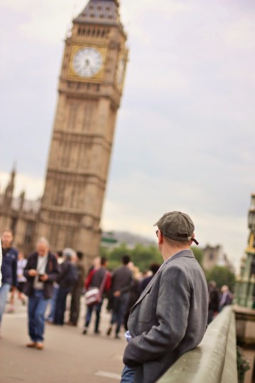 Big Ben is a popular tourist site. The street leading up to it packed with people, street magicians and performers who can easily scam you for some pounds.