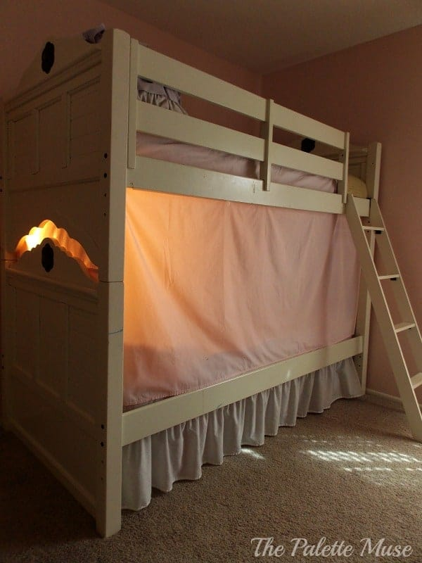 A bunk bed tent makes the perfect hideaway & Simple No-Sew Bunk Bed Tent - The Palette Muse