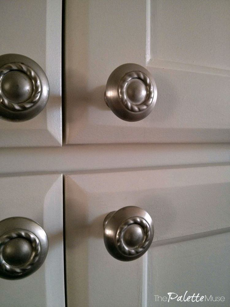 Kitchen-Cabinet-Closeup